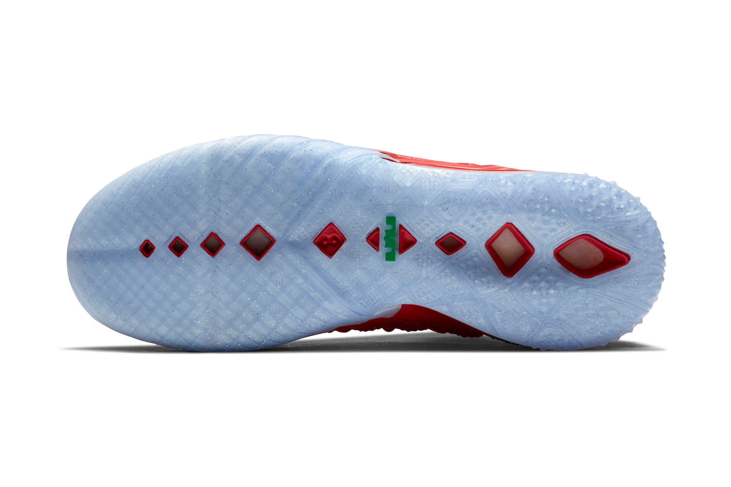 """Christmas Continues With the Nike LeBron 18 """"X-Mas in LA"""""""