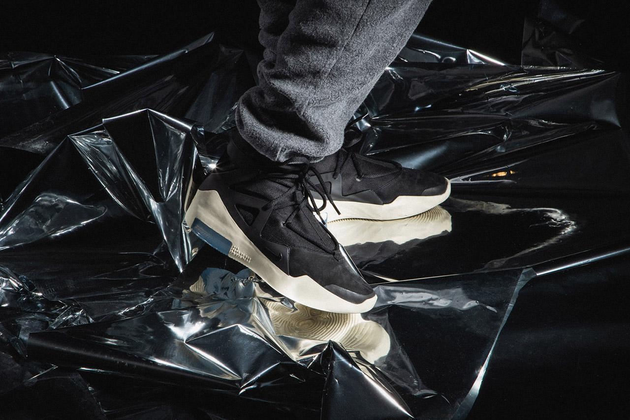 年度重磅鞋款 Nike Air Fear of God 1 黑色版本上脚预览