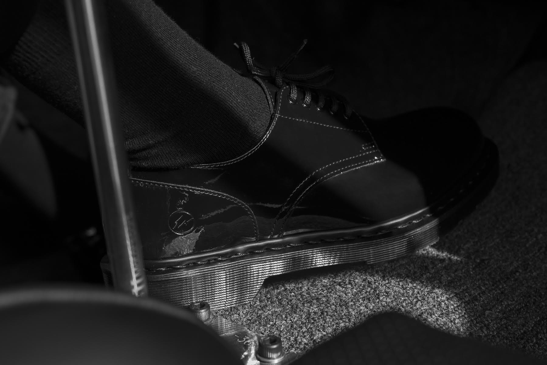 Blends 打造 fragment design x Dr. Martens 全新联名靴款造型特辑