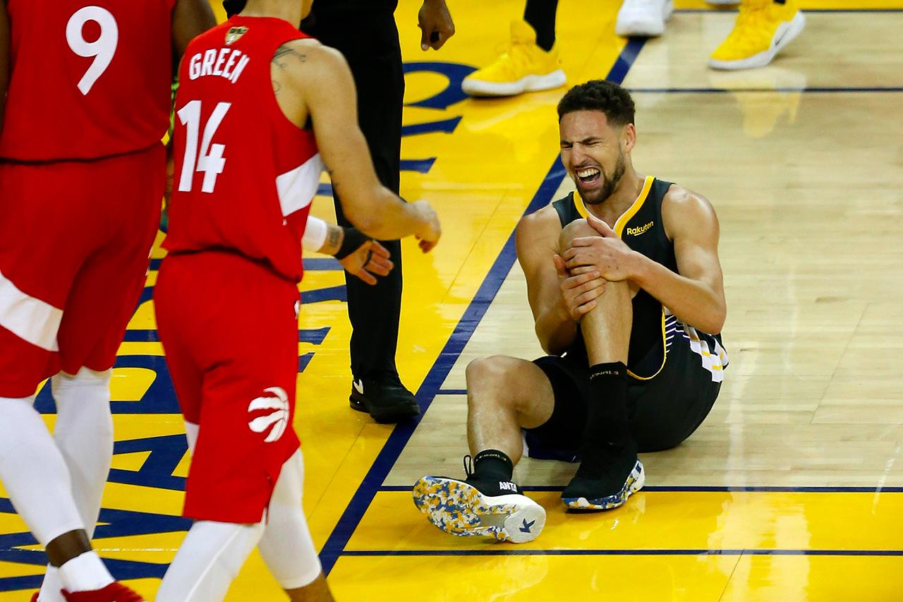 NBA 季后赛 2019 − Klay Thompson 左膝伤势确认为十字韧带撕裂,需休养八个月以上
