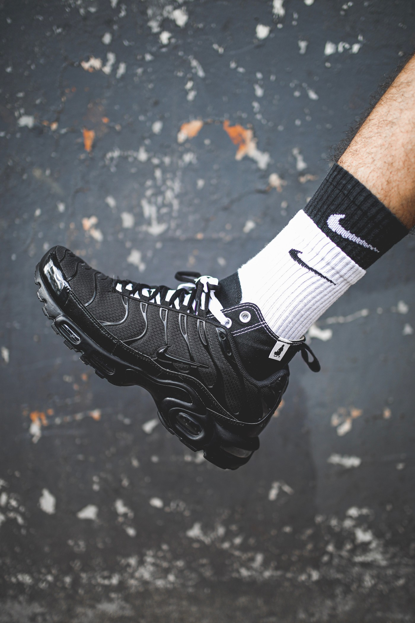 独家近赏 Nike Air Max Tn 与 Converse Chuck Taylor 混血订制鞋款