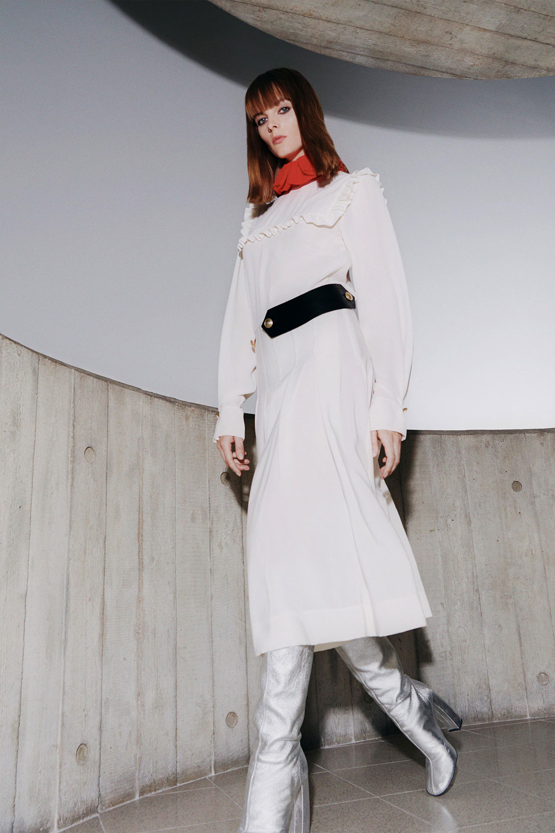 victoria beckham fall winter 2021 fw21 collection white dress metallic silver boots