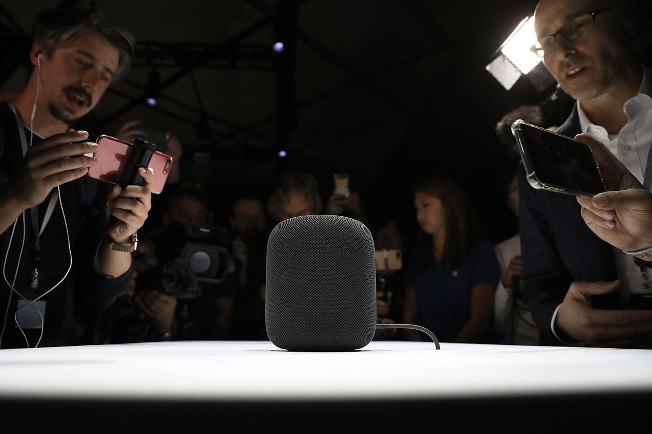 apple new device combining tv box homepod speaker camera bloomberg news info